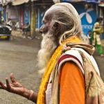 31.12.12 A hindu begger, in the 'biggest slum of the east' Dharavi. Photo Sam Burton of Taunton copy